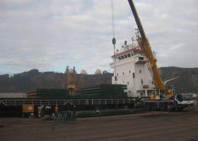 astillerosriadeaviles-reparacioncarguero_aflote_1