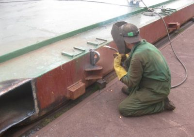 astillerosriadeaviles-reparacioncarguero_aflote_2